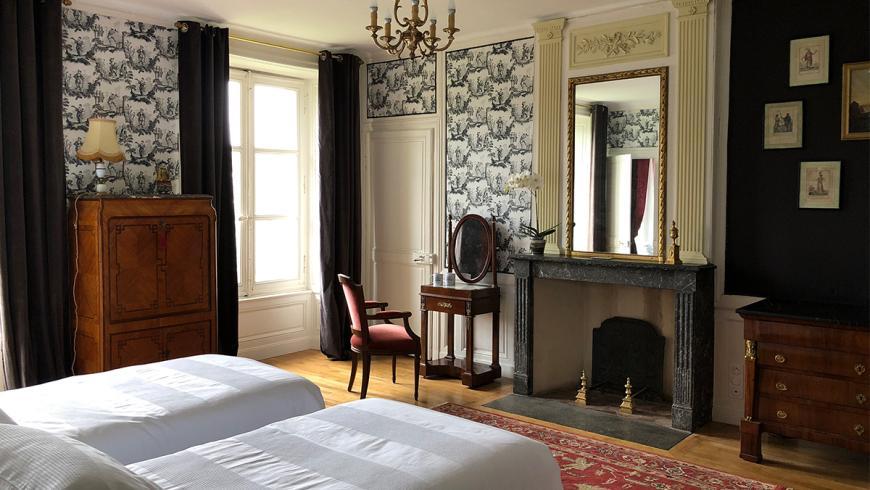 castel-saint-leonard-chambre-hotes-fresnaye-lits-double.jpg