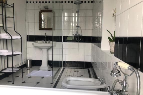 La salle de bain de la chambre d'hôtes de la Fresnaye