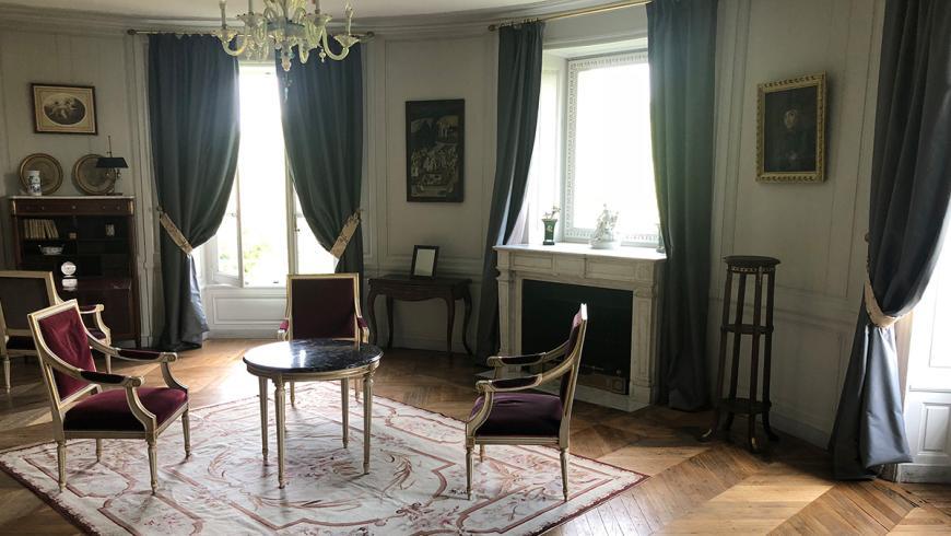 castel-saint-leonard-chambre-hotes-rotonde-salon.jpg